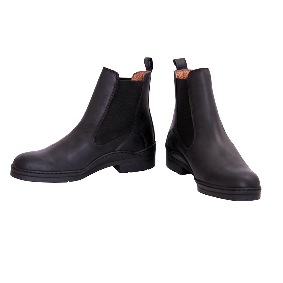 yard boots black